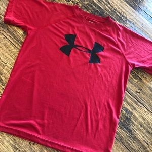 Loose Fit Under Armour Heat Gear